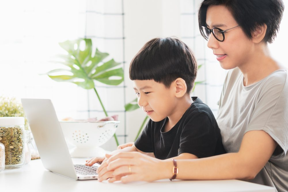 How to Keep Your Kids Safe While Using a Computer